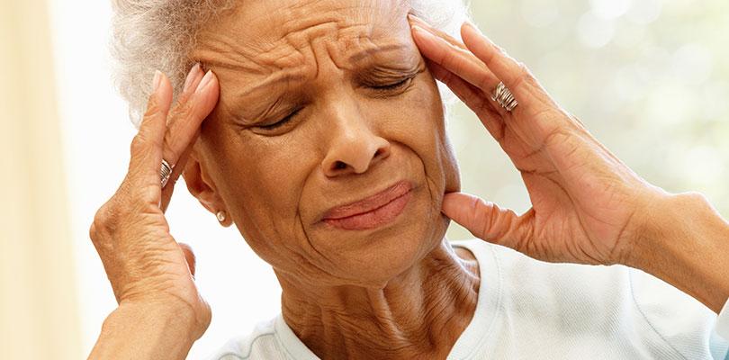 sakit-kepala-kuat-tanda-stroke